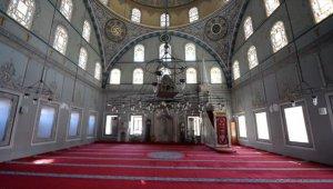 Asırlık camiler tarihinin 'en sesiz' günlerini yaşıyor