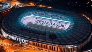 Beşiktaş Evinde Ların'le Güldü