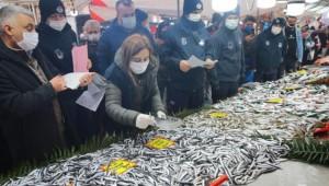Balık Tezgahlarına Sıkı Denetim