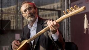 Sanatçı Cengiz Özkan: Bağlama sadece müzik aleti değil, onun içinde her şey var