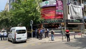 HDP İzmir İl Başkanlığında bir kişiyi öldüren silahlı saldırgan gözaltına alındı