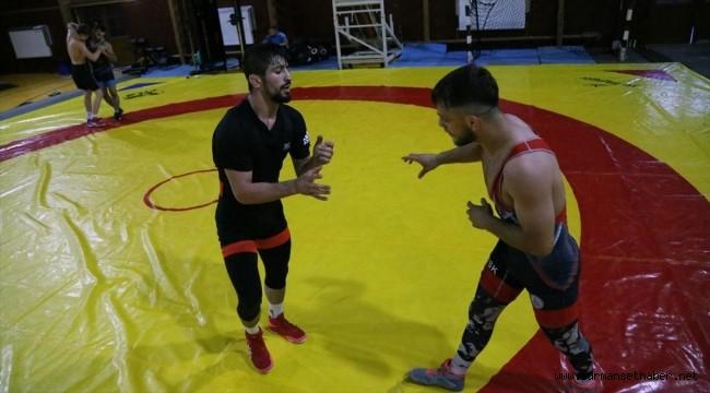 Milli güreşçiler olimpiyatlarda madalyaya ulaşmak için Bolu'da enerji depoladı