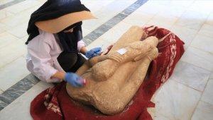 Muğla'daki Euromos Antik Kenti'nde 2 bin 500 yıllık heykeller ve yazıt bulundu