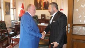 SAYİDER Başkanı Cemil Bilici yönetim kurulu üyeleri ile Rektör AYDIN'ı ziyaret etti.