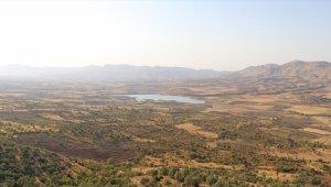 Batman'da Kırkat Göleti'ndeki su çekilmesi tarımsal üretimi etkiliyor