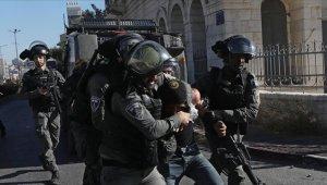 İşgalci İsrail güçleri Batı Şeria'da 11 Filistinliyi gözaltına aldı