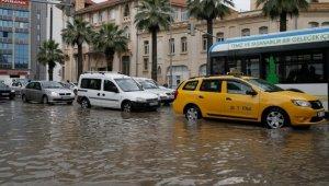 Meteoroloji Dört Şehir İçin Sel Uyarı Verdi