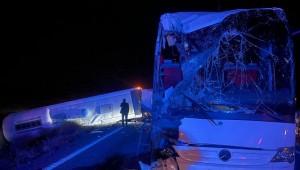 Nevşehir'de öğrencileri taşıyan otobüs kazada yaptı 25 kişi yaralandı